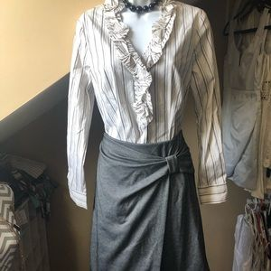 Ann Taylor grey detailed skirt